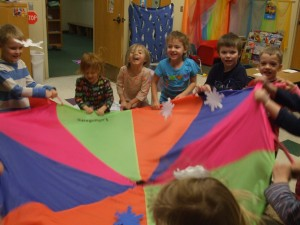 Preschool Parachute_Group_Game